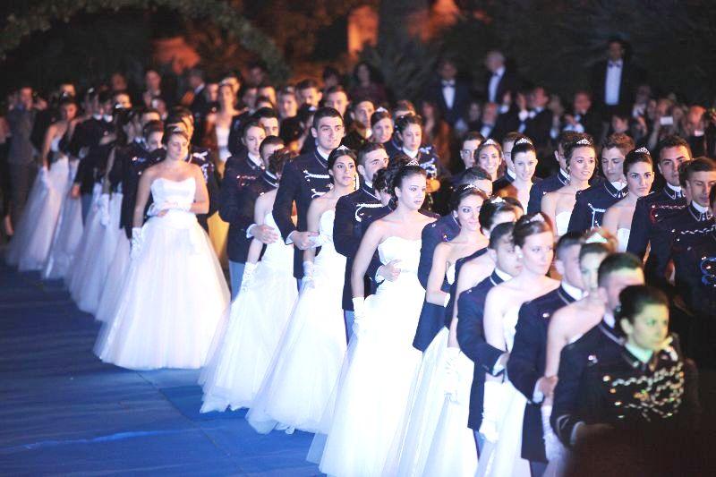 Story: il ballo delle debuttanti della Nunziatella