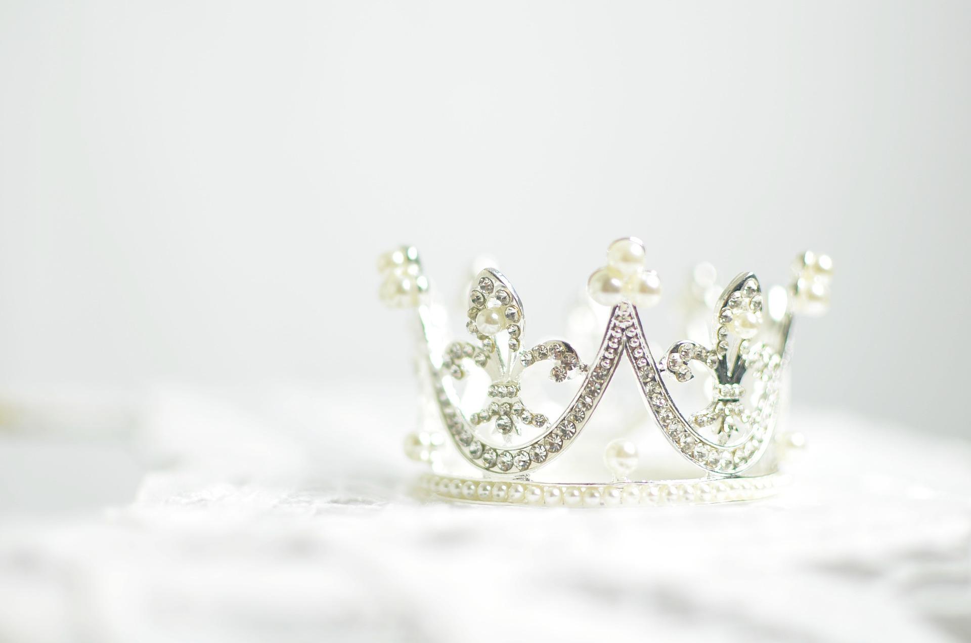 crown-1866986_1920
